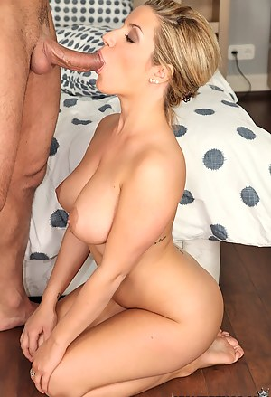 Big Boobs on Knees Porn Pictures