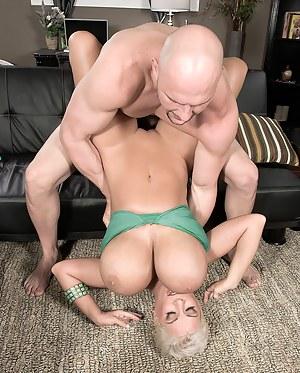 Big Boobs Hardcore Porn Pictures