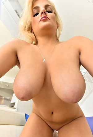 Big Boobs Solo Porn Pictures