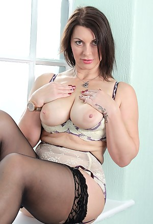 Big Boobs Stockings Porn Pictures